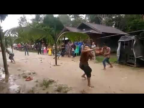 Acara Adat Katingan,  Sri Hartuti Dan Krisno Di Desa Tumbang Lahang