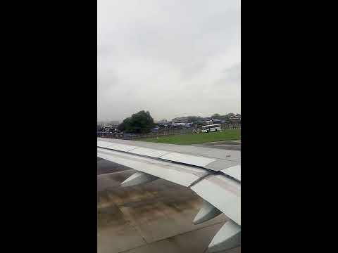 GoAir - G8 365 : Airbus A320 : Mumbai to Ahmedabad Journey : Take Off
