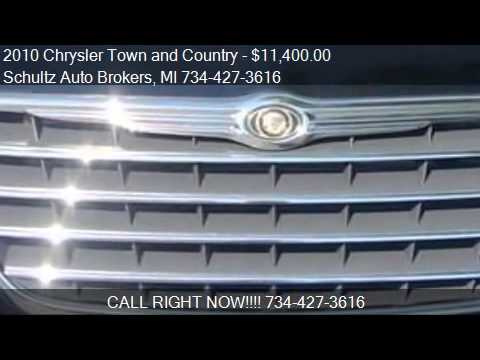 2010 Chrysler Town and Country for sale in Livonia, MI 48150