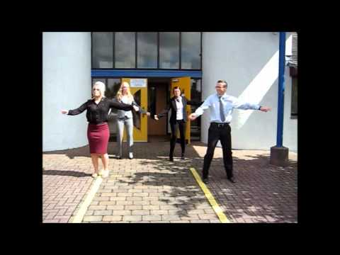 Moky Fit - Sam and the Womp, Bom Bom - Womping at work