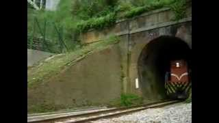 舊山線試營運 :【柴電平快】駛出『一號隧道』北上隧道口--2012-04-12(週四). thumbnail