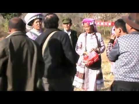 Txi Ncej Tsheb Ncej Ntxhoo - Miao Huashan Festival (Wenshan Town) 2016文山旧城花山节