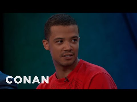 Jacob Anderson's Encounter With An Enthusiastic Grey Worm Fan  - CONAN on TBS