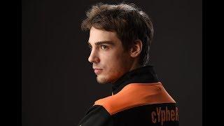 VP.Cypher комментирует свою игру на dm6 против cha1n (Quake Champions)