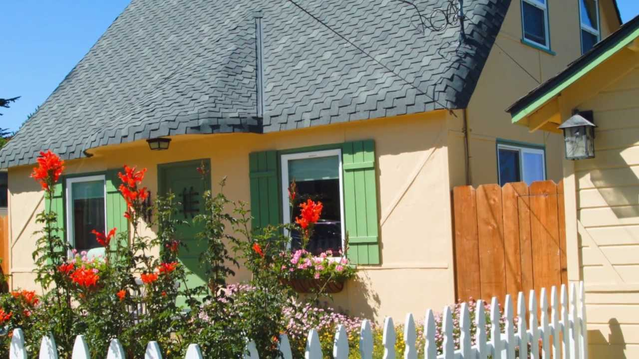 pg central living bay cottage vacation rent photo for grove rentals seaglass monterey pacific cottages room cpg