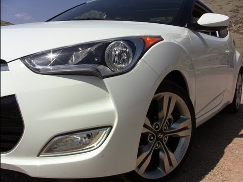 2012-hyundai-veloster-drive-and-review