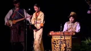 Kunsel sings before His Holiness the Dalai Lama and Mary Robinson