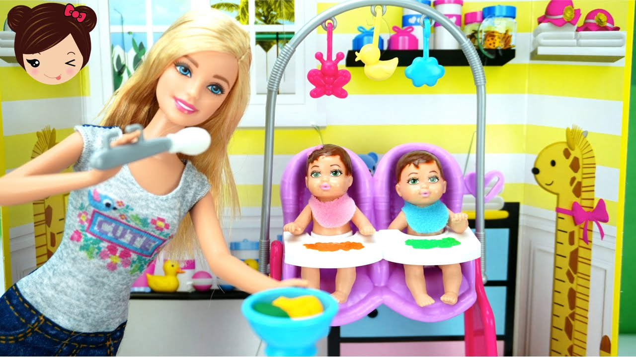 68fca5349 Barbie Quiero Ser Niñera - Barbie Cuida de Bebe Gemelos - Twin Babysitter -  YouTube