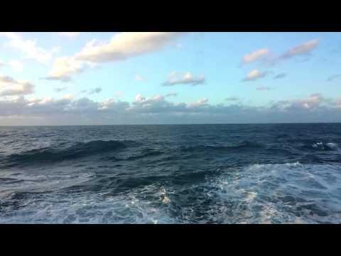 "TWO HOURS of ""Escape towards the sea"" - HD - Chromecast screensaver"