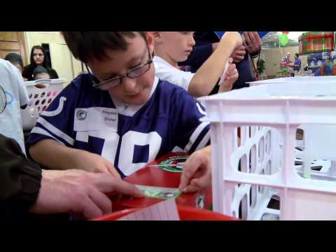 Indianapolis Colts Pack Shoeboxes at St. Vincent Hospital