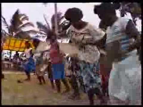 Duff Islands: Custom dance