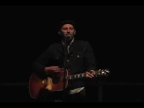 Mat Kearney Singing to College of Saint...