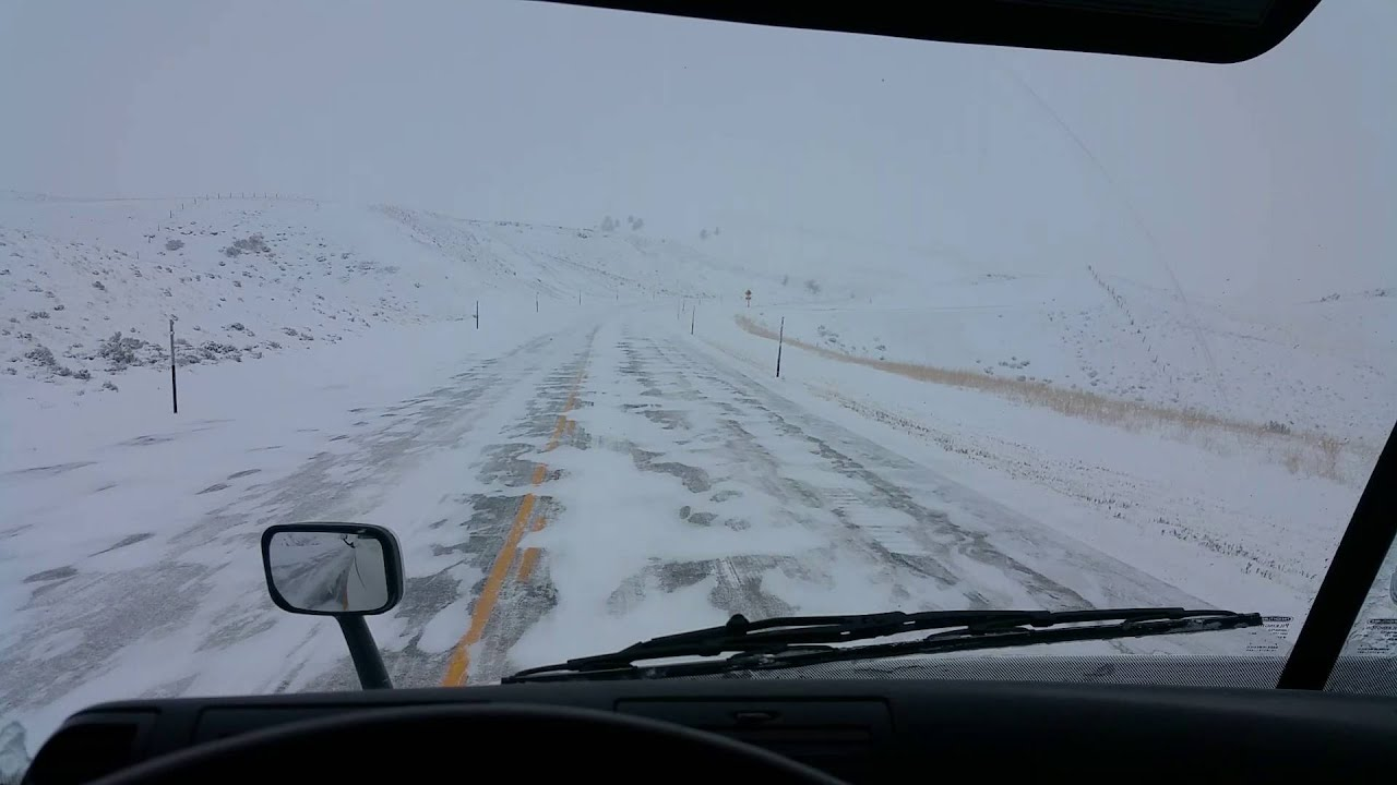 HOW TO Drive Downhill in Snow & Ice in Automatic Freightliner