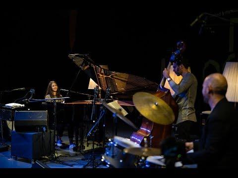 """Olivia Trummer Trio (D) - """"Piece Of Love"""" - @ musig im pflegidach, Muri"""