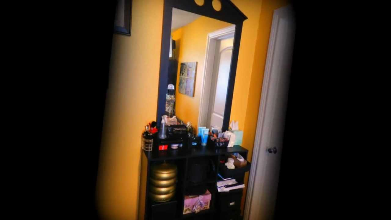 Como colgar espejos o cuadros sin un solo clavo for Como colgar un espejo grande en la pared