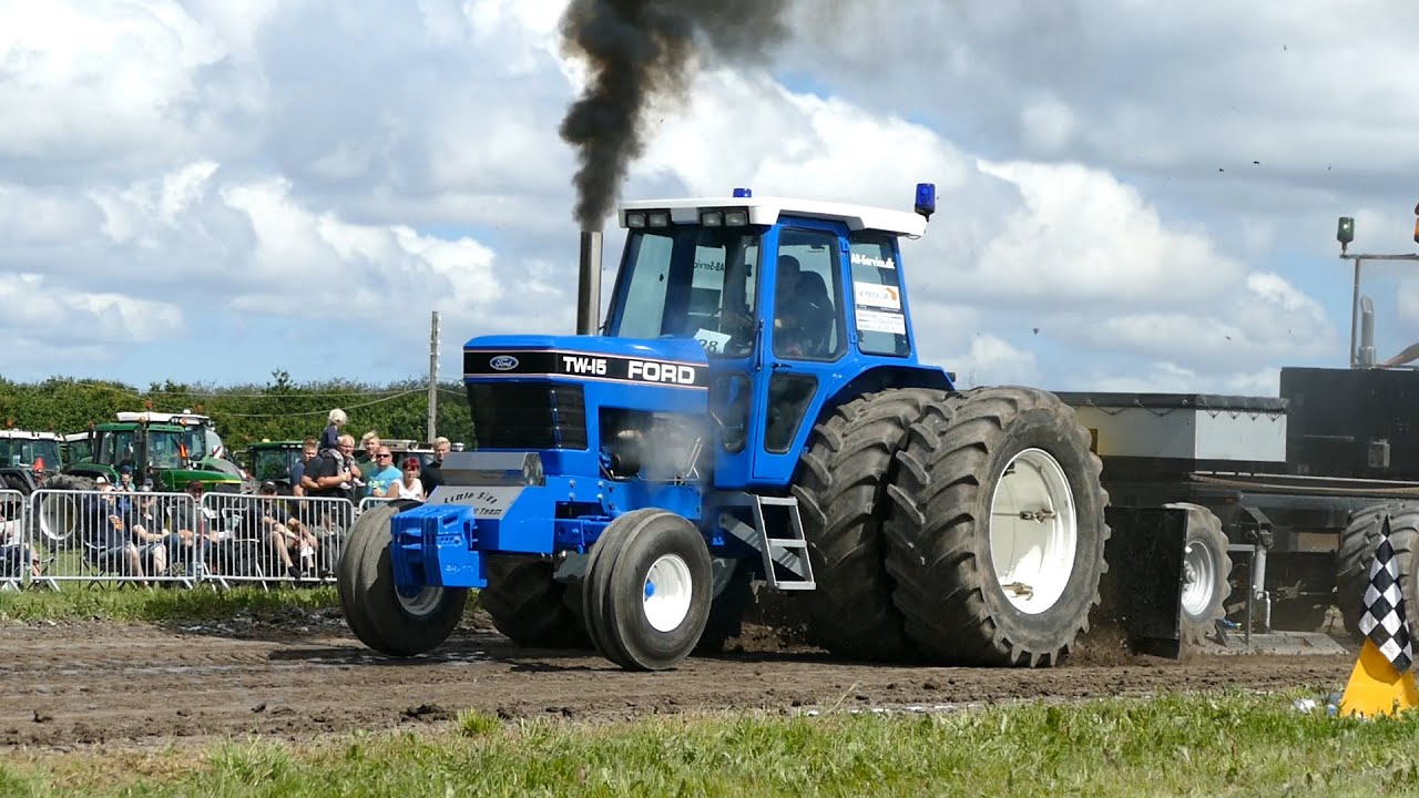 Ford Pulling Tractors : Ford tw tractor pulling jerslev youtube