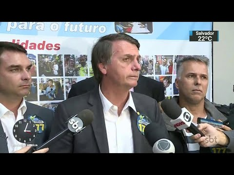 Jair Bolsonaro visita o Mercadão de Madureira, no Rio de Janeiro | SBT Notícias (28/08/18)
