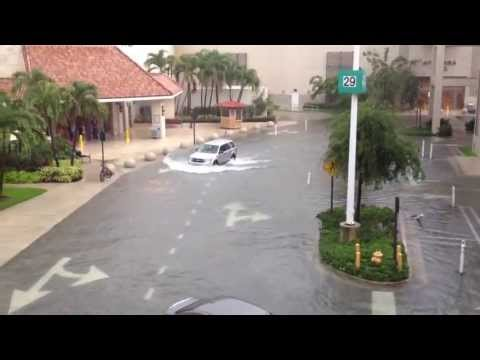 Flooding in Aventura mall