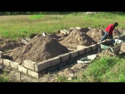 how to build a pig farm