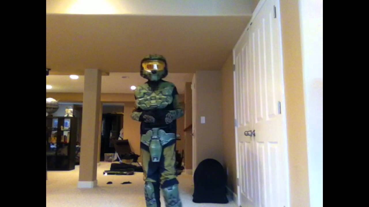 Happy Halo-ween-2012-Master Chief Deluxe Costume(281190) & Happy Halo-ween-2012-Master Chief Deluxe Costume(281190) - YouTube