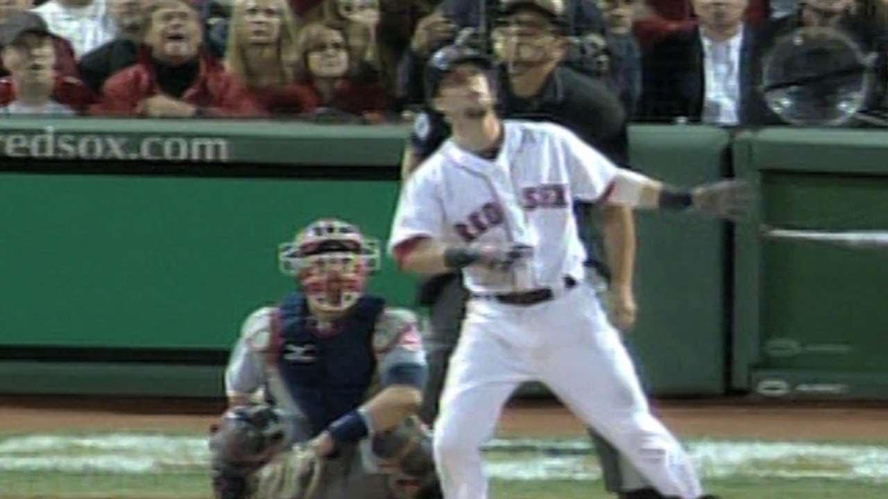 2007 ALCS Gm7: Pedroia's home run extends lead