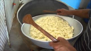 Как делают сыр сулугуни в Грузии, домашнее приготовление(Подробности и пошаговое фото рецепта на http://www.coolnws.ru/eda/suluguni/, 2012-09-18T12:56:26.000Z)