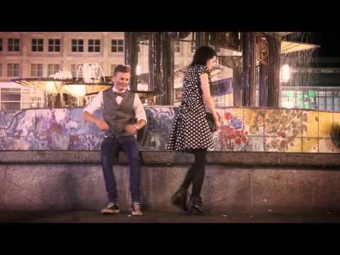 Max Raabe, Annette Humpe: Lasst mich rein, ich hör Musik