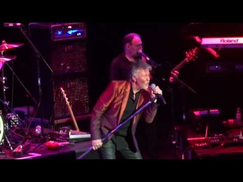 Paul Young - 'Every Time You Go Away' - 13-03-2017 - Guildford G Live