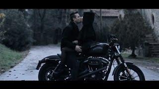 Смотреть клип Mostro - La Mia Rihanna