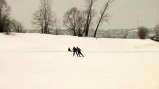 обучение 75 летнего новичка впервые на лыжах и в этот же день поехал как на лыжах