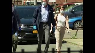 纽约市长白思豪向公共住房居民派发防疫物资