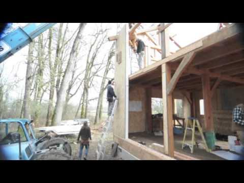 Installing SIPs on a timber frame.m4v - YouTube