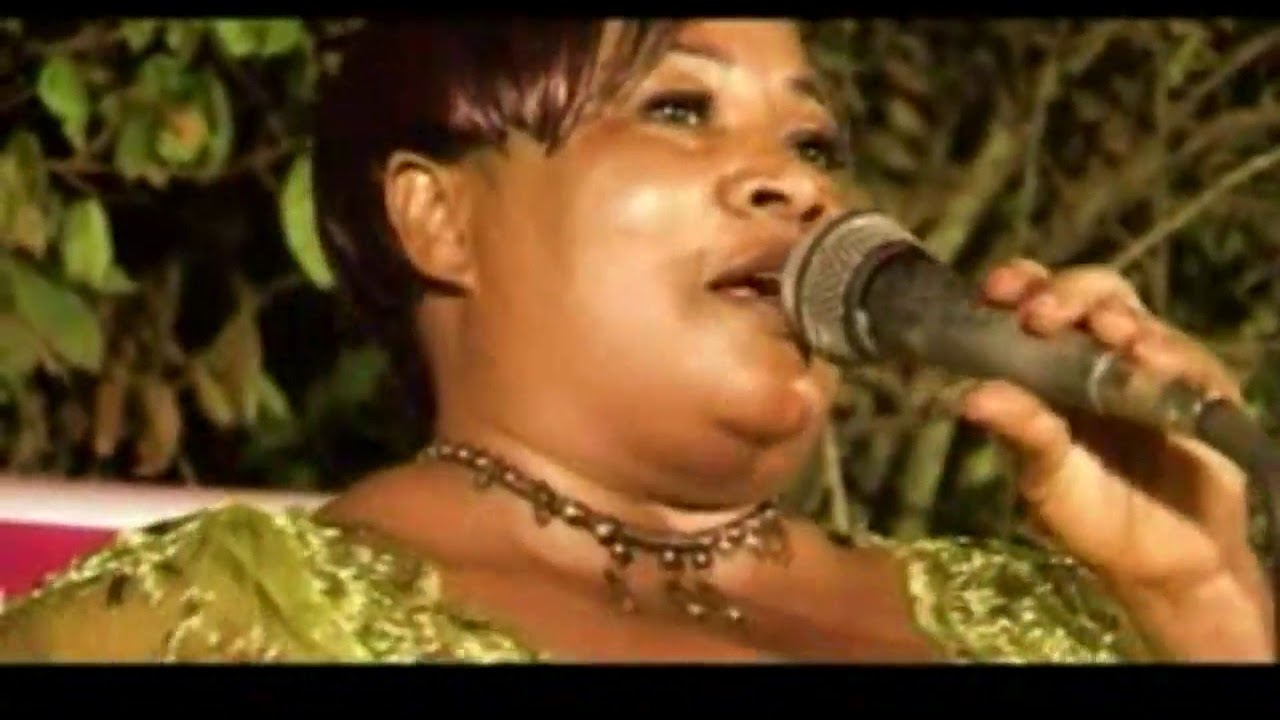 Download YAW SARPONG AND ASOMAFO - ASUBONTEN (LIVE MUSIC SHOW AT BONSU NKWANTA)
