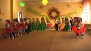 Осенний утренник в детском саду № 306 Одесса(Это видео создано с помощью видеоредактора YouTube (http://www.youtube.com/editor), 2014-04-30T16:29:58.000Z)