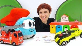 Машинки помощники - видео для детей с Машей. Игры в машинки