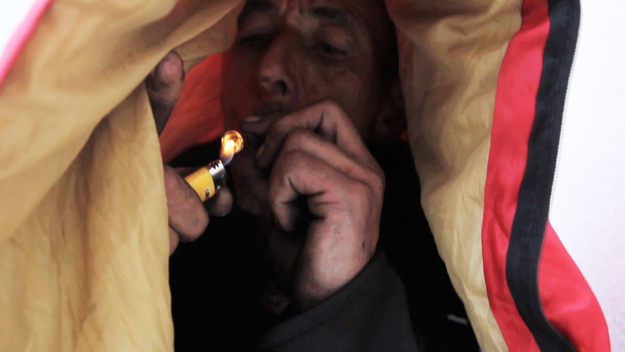 can smoking crack make you throw up
