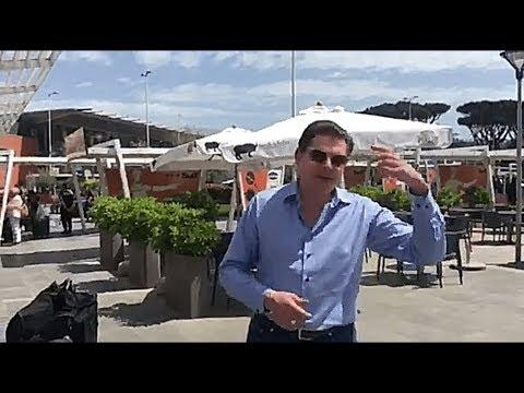 Евгений Понасенков: новая искренность в аэропорту Неаполя
