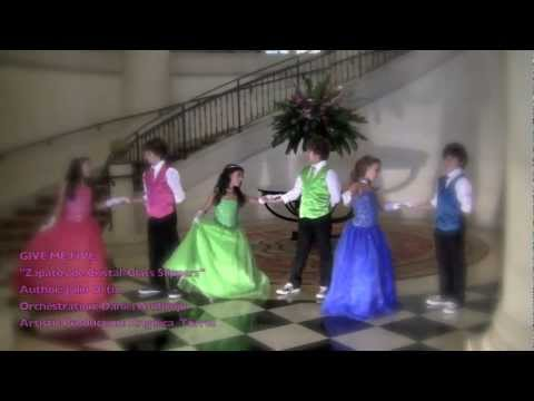 """Parodia la nueva y la ex - """"La fea otra vez""""из YouTube · Длительность: 4 мин38 с  · Просмотры: более 15.576.000 · отправлено: 4-4-2014 · кем отправлено: Nisaca TV"""