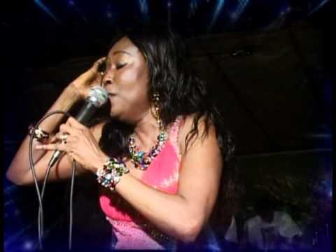 Afia Mala En Live a Lome, Togo
