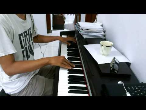 AKB48/JKT48 - Manatsu No Sounds Good Piano Cover