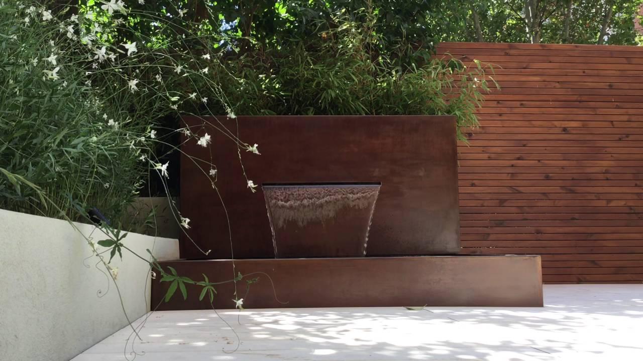 Dise o de jard n con cascada en acero corten youtube - Cascada de jardin ...
