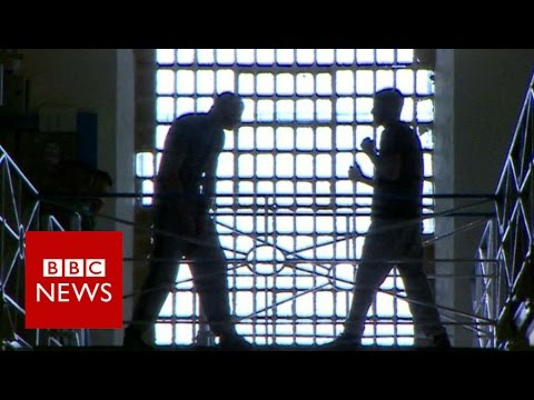 BBC exclusive: A look inside Wandsworth prison (Part 1) - BBC News