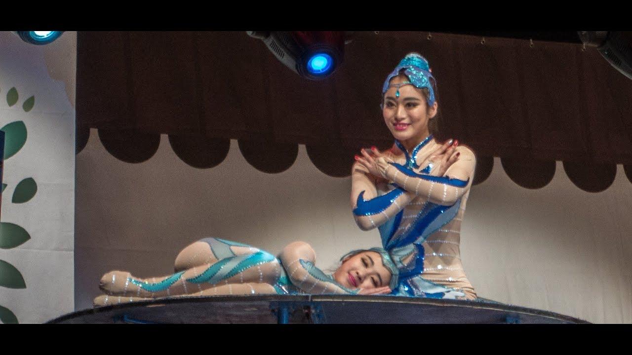 Chinese Acrobatic Girls - Youtube-2776