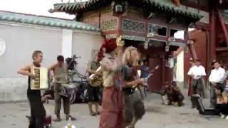Broken Zirkus Band in Mongolia 1