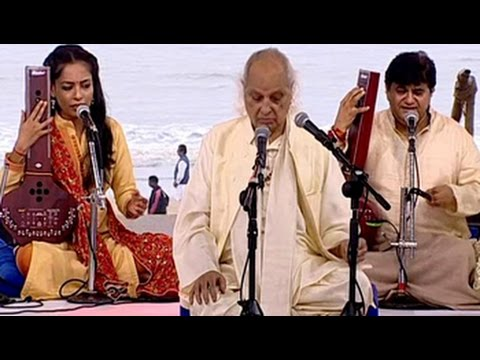 Indian Classical Vocalist Pandit Jasraj Performs At The Cleanathon
