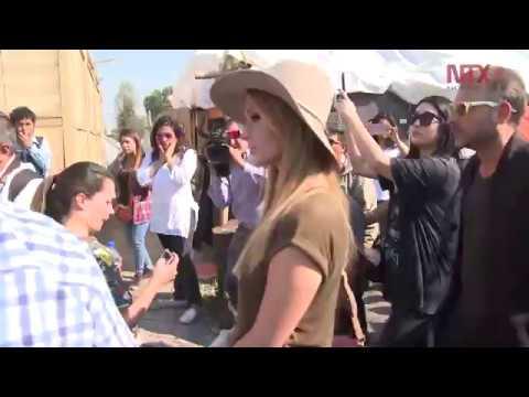 Paris Hilton visitó Xochimilco para apoyar a damnificados por los sismos