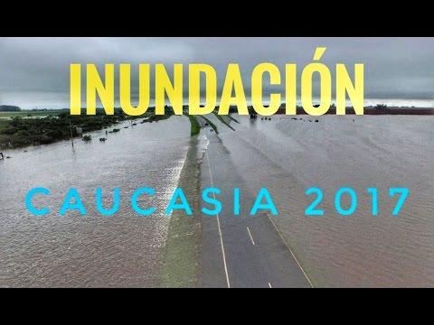 Inundación en Caucasia  mayo de 2017 Autopista a la costa inundada