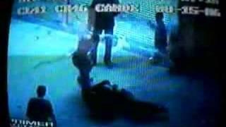 Repeat youtube video Hombre asesinado a machetazos en Medellín, Colombia