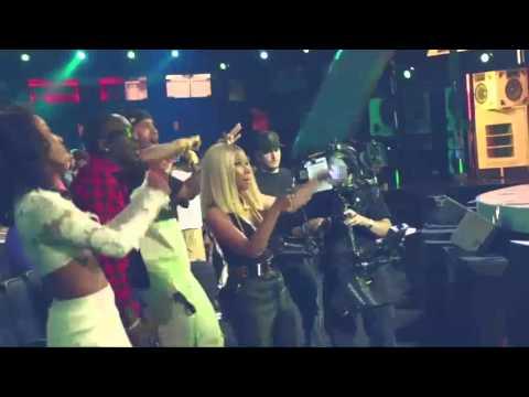 Nicki Minaj dancing crazy in BET Awards 2013