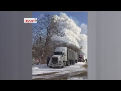 Semi-truck hauling fireworks explodes on I-94